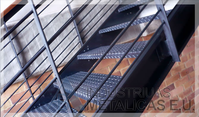 Indumeteu fabricaci n de escaleras rectas y en caracol for Escaleras de exterior metalicas